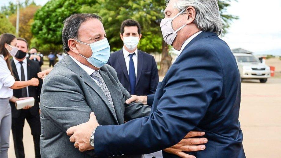 El presidente fue recibido por el gobernador de La Rioja, Ricardo Quintela.