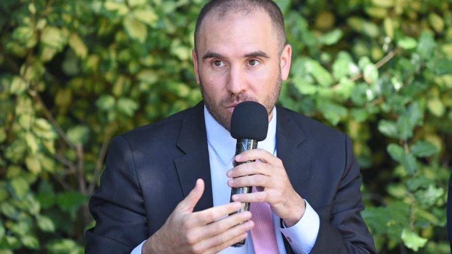 """El ministro de Economía Martín Guzmán dijo que """"el ATP fue una ayuda para la fase uno y no se vuelve a fase uno""""."""