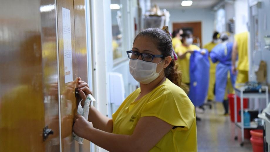 Actualmente la provincia de Neuquén tiene más de 2.000 casos activos de coronavirus y se detectó a un paciente con la variante Manaos. (FOTO: archivo Florencia Salto)