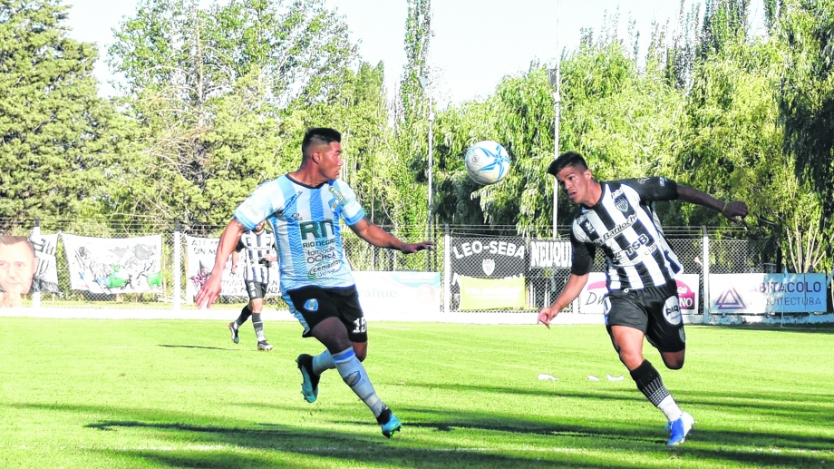 Cipo se presenta en casa ante Estudiantes de San Luis. Los dos ya están eliminados. Foto: Juan Thomes