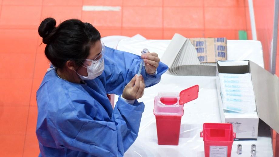 Neuquén comenzará a vacunar a los auxiliares de servicio. (FOTO: Florencia Salto)