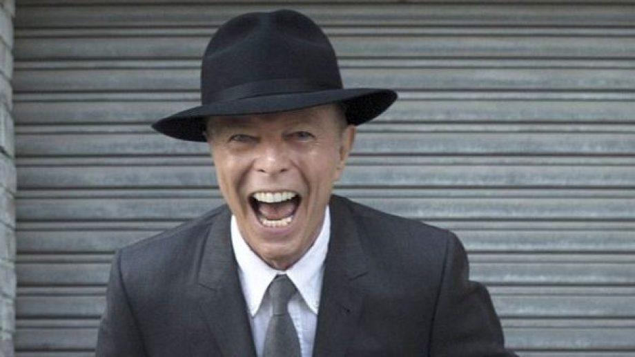 """Un Bowie feliz tras el estreno de la obra """"Lazarus"""", apenas dos días antes de su fallecimiento el 10 de enero de 2016."""