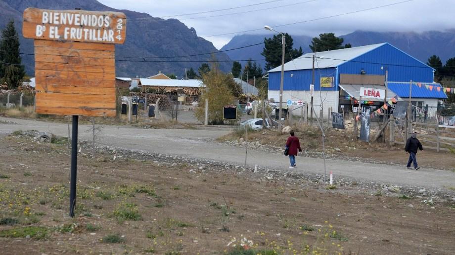 En sectores del barrio El Frutillar de Bariloche, cientos de familias tienen problemas con la provisión de agua potable en lo que va de este verano. (Foto: archivo)