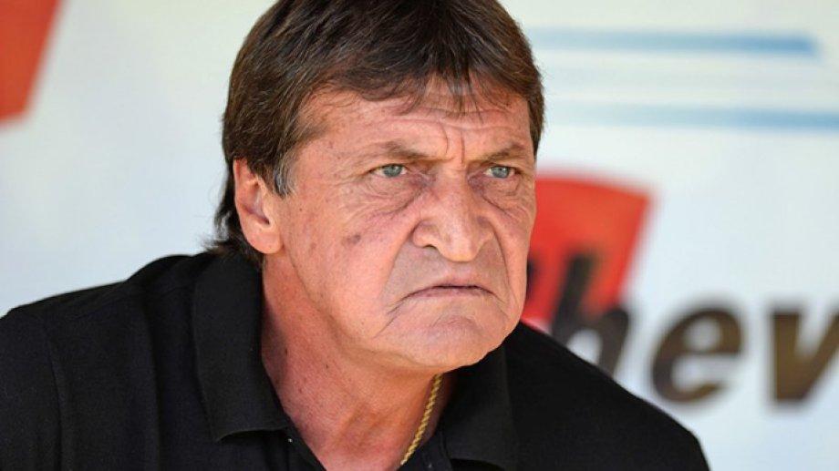 Falcioni vuelve a un club que ya dirigió, pese a que estaba por asumir como mánager de Banfield.