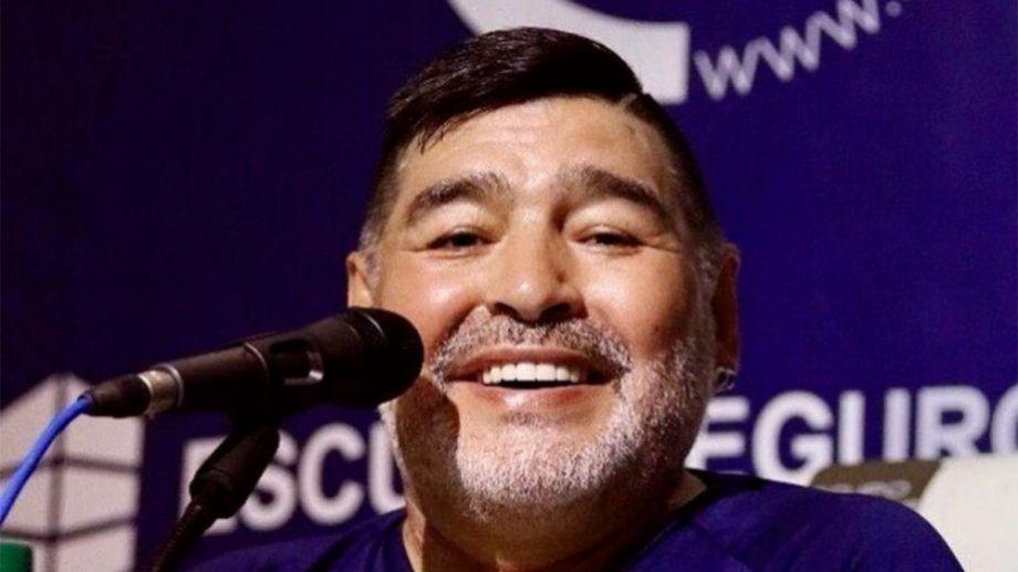Maradona fue técnico de Gimnasia y Esgrima hasta el último tiempo de vida.-