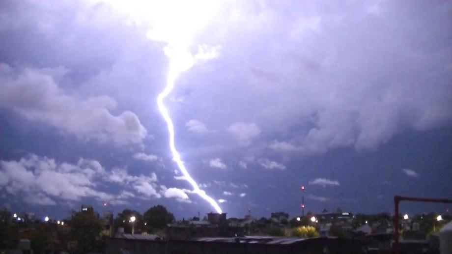 La inestabilidad puede traer tormentas eléctricas a la región. (foto ilustrativa).