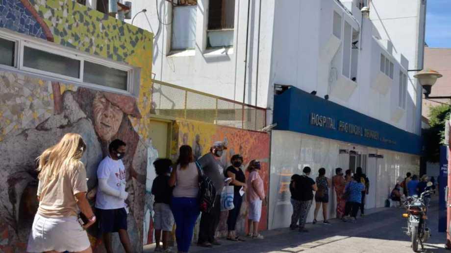 Los terapistas del hospital Castro Rendón presentaron un recurso de amparo por las condiciones laborales que padecen. Foto: Yamil Regules.