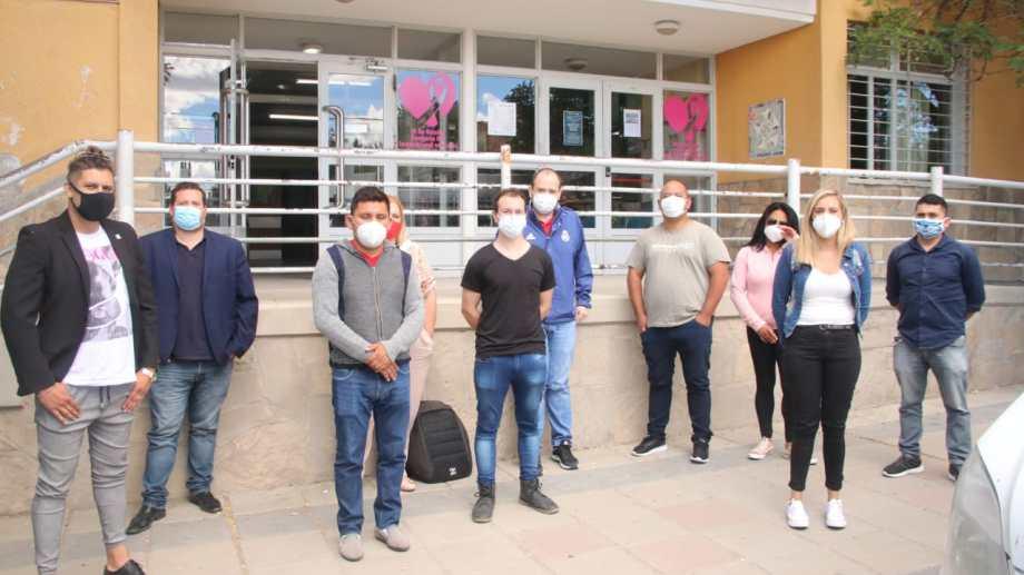 Los profesionales de salud son de Buenos Aires y llegaron a Zapala para poder habilitar más camas de terapia intesiva. (Foto: gentileza Municipalidad de Zapala)