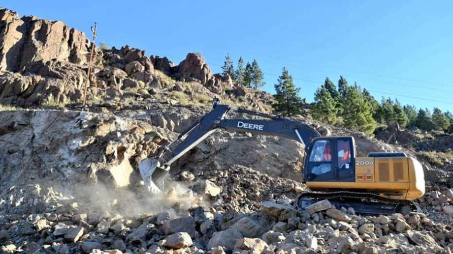 Por la voladura de rocas, la Ruta Provincial 9 permanecerá cortada por una semana entre Huinganco y Andacollo. (Foto: Gentileza Nicolás Fuentes- Entre Cordilleras).