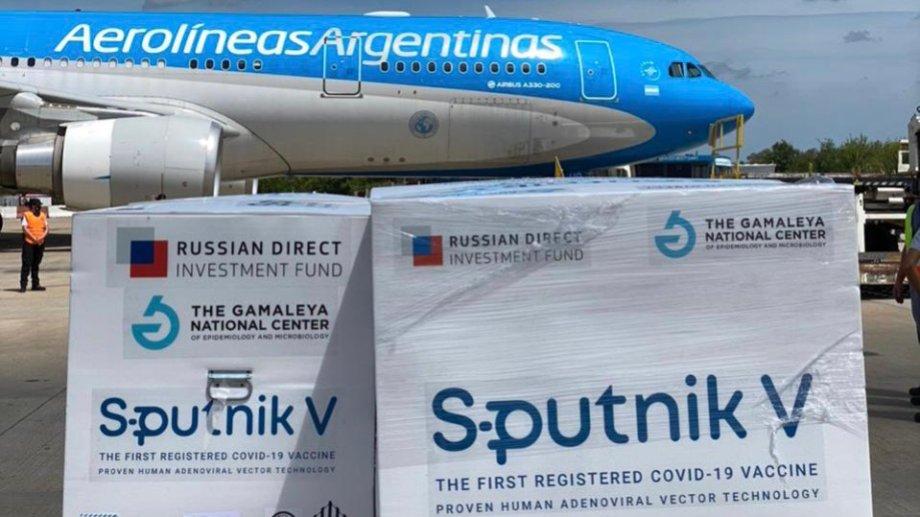 Nuevo vuelo a Moscú en busca de vacunas Sputnik V.