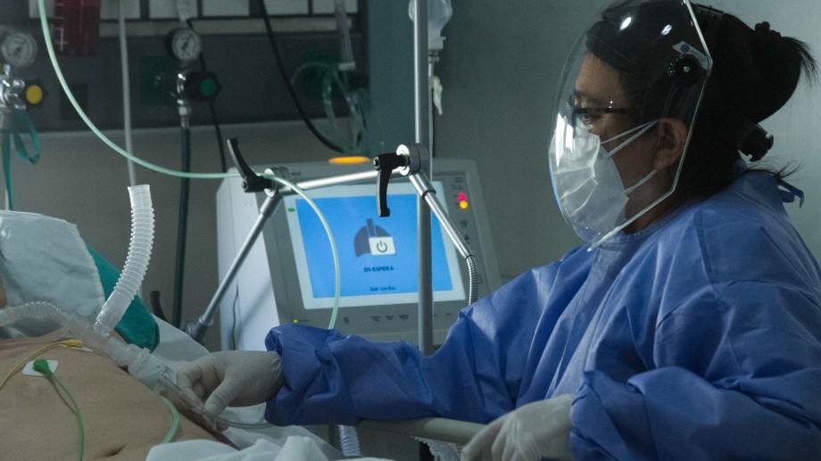 Personal de la UTI del Hospital Zattisin descanso frente al coronavirus. Foto: Pablo Leguizamon