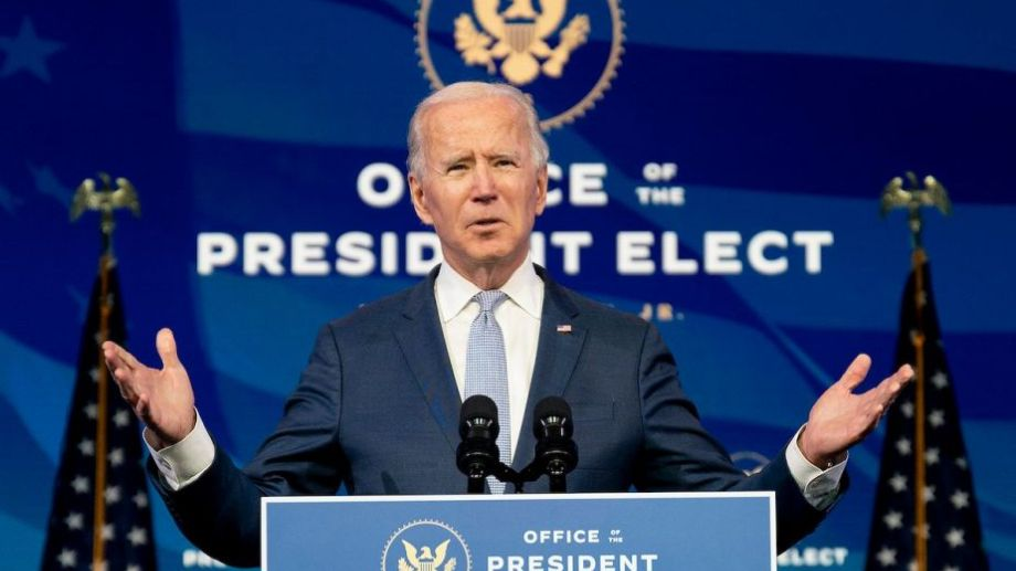 Al igual que ayer, el electo Biden decidió dar un mensaje a la población y condenó los hechos de violencia.-