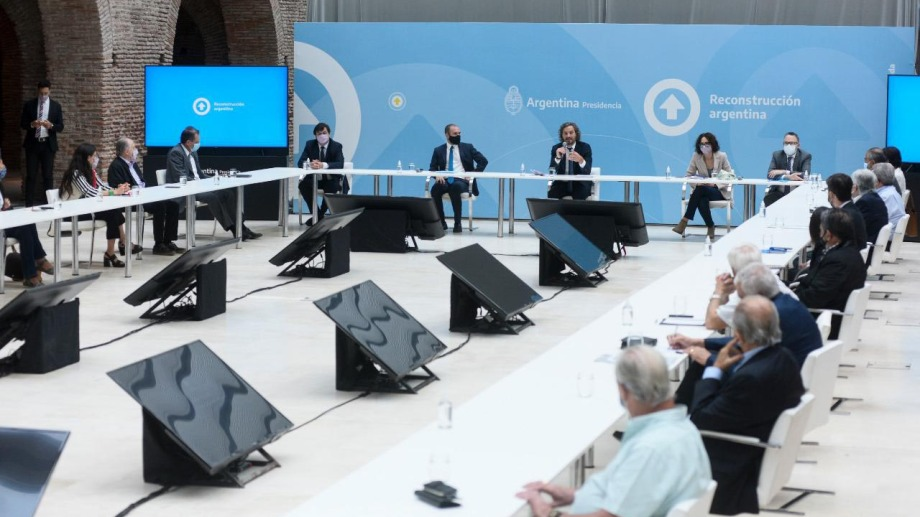"""El Gobierno nacional ratificó hoy a los gremios que las paritarias se negociarán """"sin techo"""" al concretarse la primera de las reuniones impulsadas por la Casa Rosada. Foto Presidencia."""