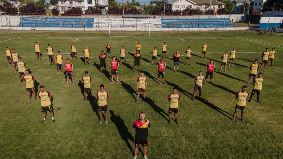 En Cruz del Sur están todos detrás de un mismo objetivo. Foto: Marcos Ojeda.