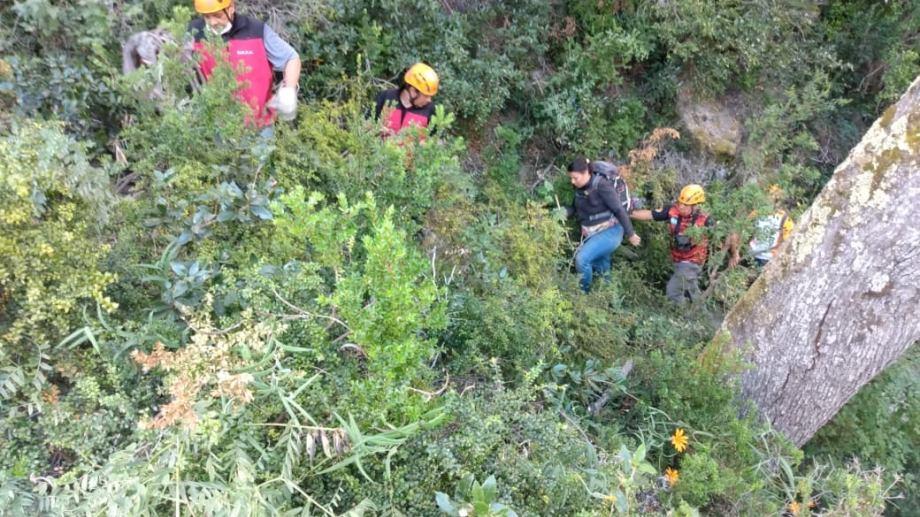 Ambas personas  rescatadas en Villa La Angostura se encuentran en buen estado de salud. Foto: Gentileza  Facebook BRZA Villa La Angostura