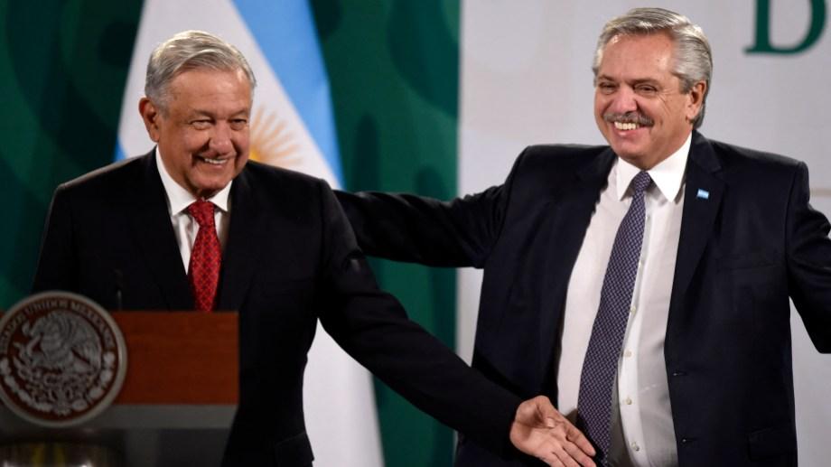 Los presidentes de Argentina, Alberto Fernández y su par mexicano, Andrés Manuel López Obrador, participan de una conferencia de prensa conjunta. Foto: AFP/Télam/CBRI