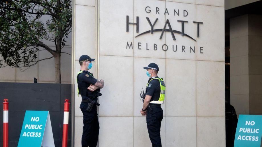 El positivo en el hotel Hyatt derivó en 600 personas aisladas.