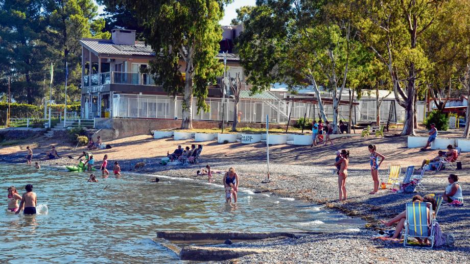 Navegación, kite surf, pesca o avistaje de aves fuera de temporada, son algunas de las actividades que se pueden hacer.