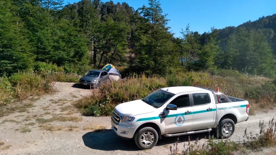 Guardaparques del parque nacional Nahuel Huapi  labraron actas de infracción por acampes y fuego en lugares no habilitados. Gentileza