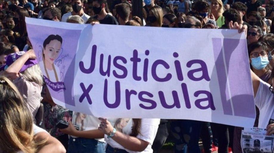 Participaron de la marcha diversos grupos de organizaciones sociales.