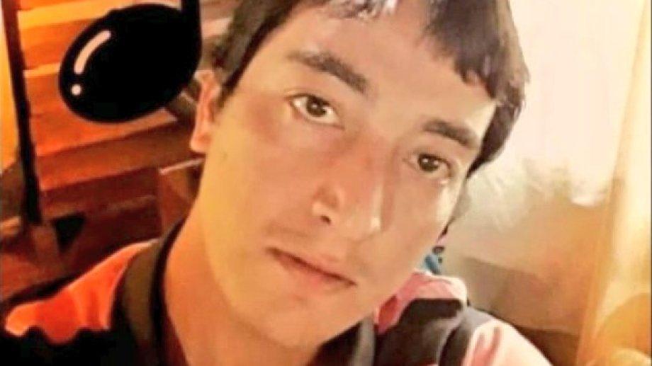 Juan Bautista Quintriqueo tiene 33 años. El martes 23 de febrero mató a Guadalupe en el centro de la ciudad cordillerana. Foto gentileza.