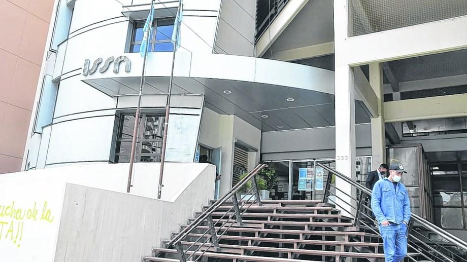 La sede de la obra social provincial en Neuquén capital. Foto: Archivo.