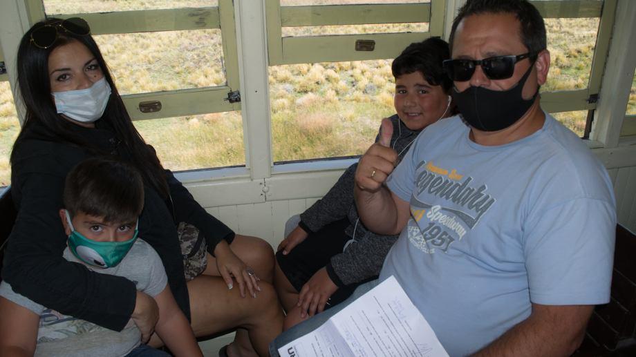 En esta temporada muchas familias eligen al tren a vapor para vivir una experiencia única. Foto: Alejandra Díaz.