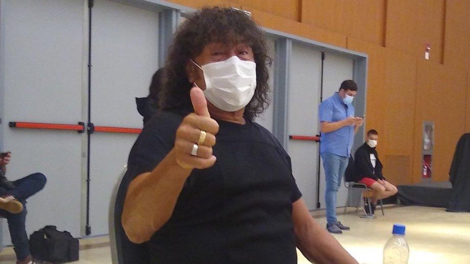 Se vacunó La Mona Jiménez.