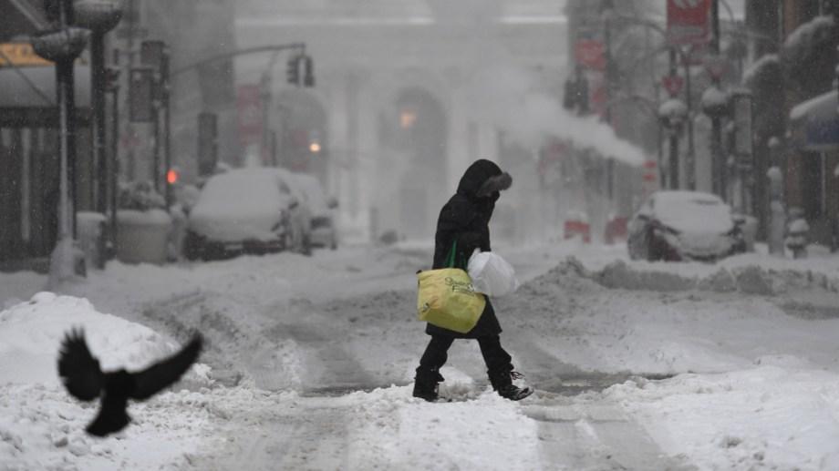 Parte de Estados Unidos en alerta por las tormentas de nieve. Foto Télam.