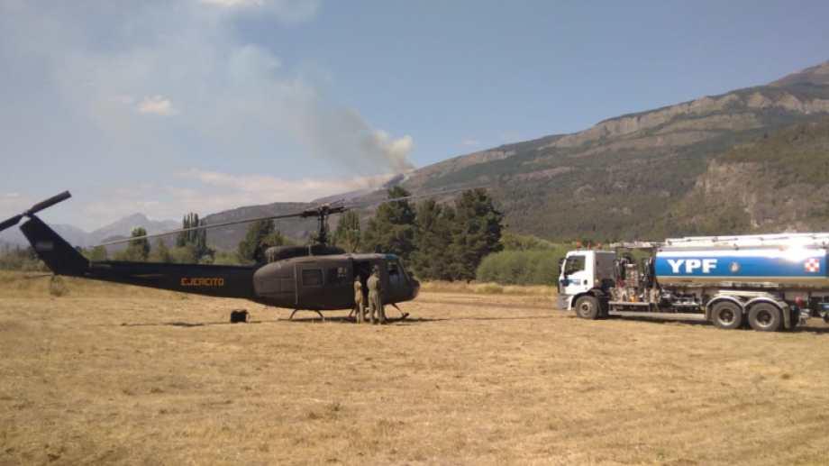 YPF donó el combustible para los aviones y helicópteros que combaten el incendio.