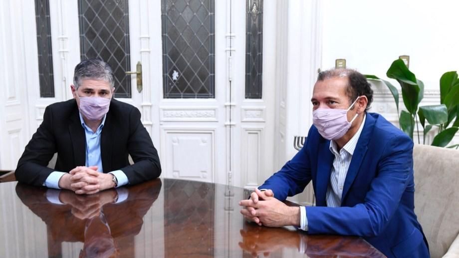 El gobernador de Neuquén se reunió con Pablo González, quien asumirá como presidente de YPF.