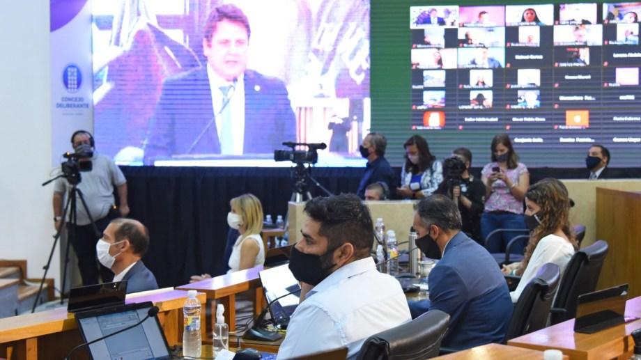 La propuesta de renovar el Concejo junto con la elección del intendente cayó bien en la oposición (foto Florencia Salto)