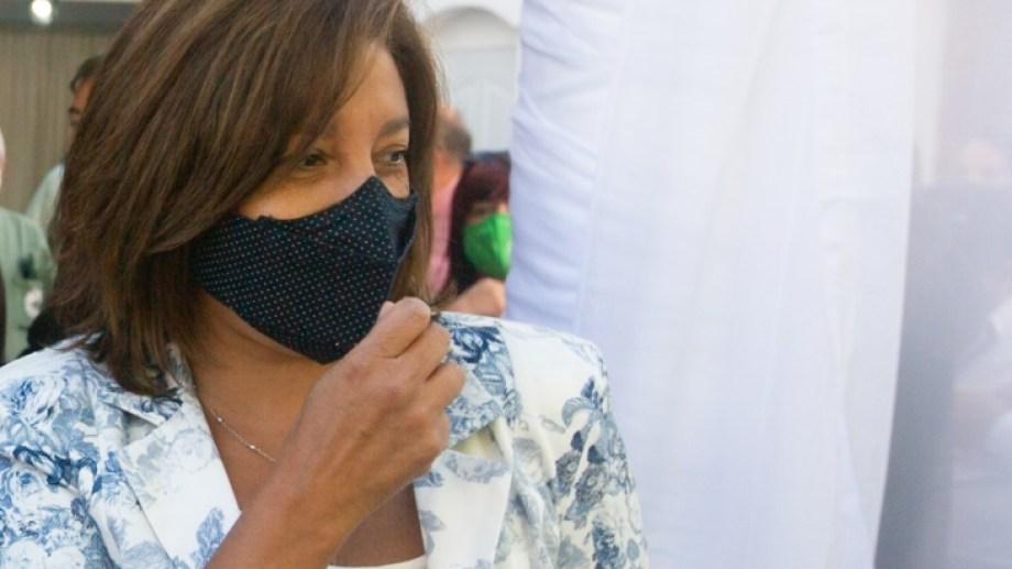 La gobernadora defendió el esquema definido para la distribución y aplicación de vacunas en Río Negro.