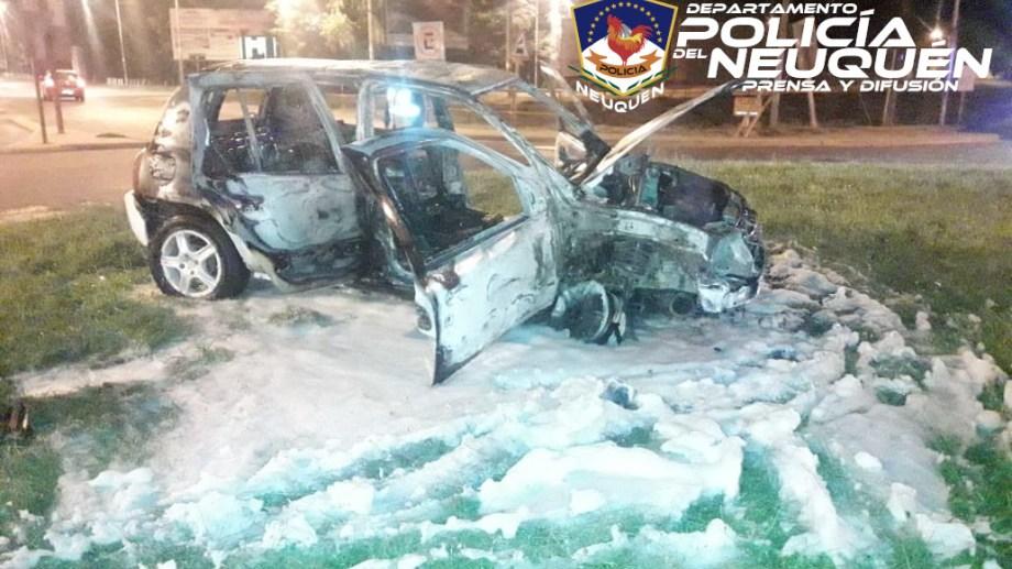 El conductor del Renault Clio no resultó herido. Foto: Gentileza