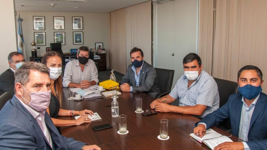 El ministro lammens recibió a los intendentes neuquinos. Foto: Gentileza