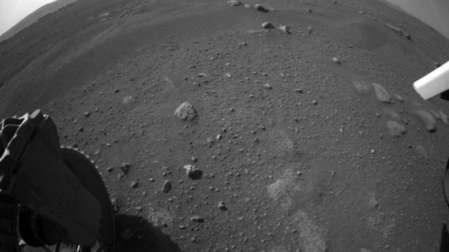 El Perseverance emite imágenes nunca antes vistas de Marte.-