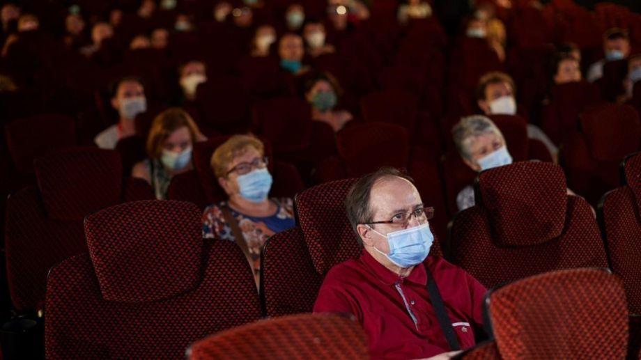 Será obligatorio usar barbijo dentro de los cines. (Gentileza).-