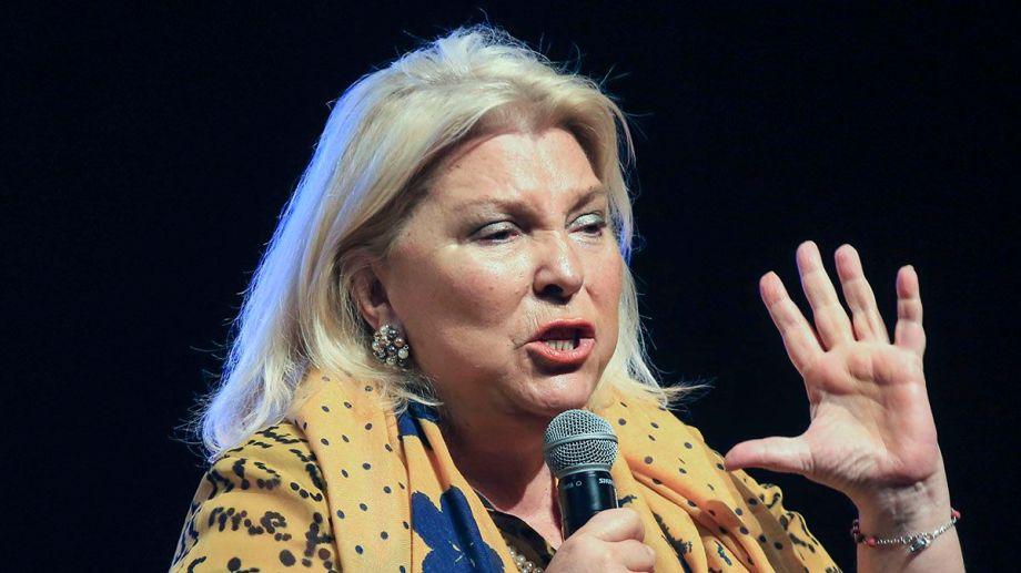 """""""El intento de vaciar al presidente de parte de un vicepresidente es un golpe de Estado"""", señaló Elisa Carrió."""
