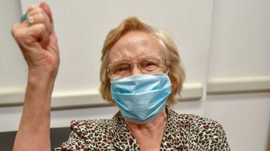 Elsa Nélida Alonso fue la persona vacunada número un millón en Argentina.