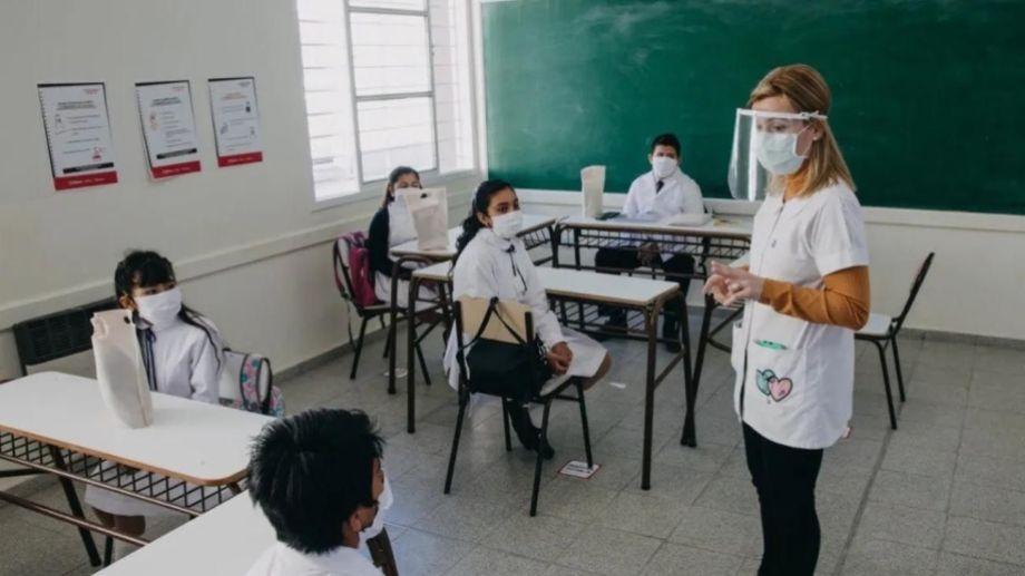 La mayoría de las provincia aplicará un sistema dual, entre presencialidad y virtual, para retornar a las escuelas. (Archivo).-