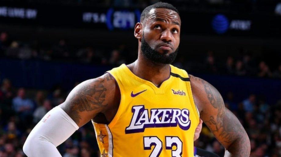 LeBron ganó su partido con los Lakers y en la conferencia de prensa respondió.
