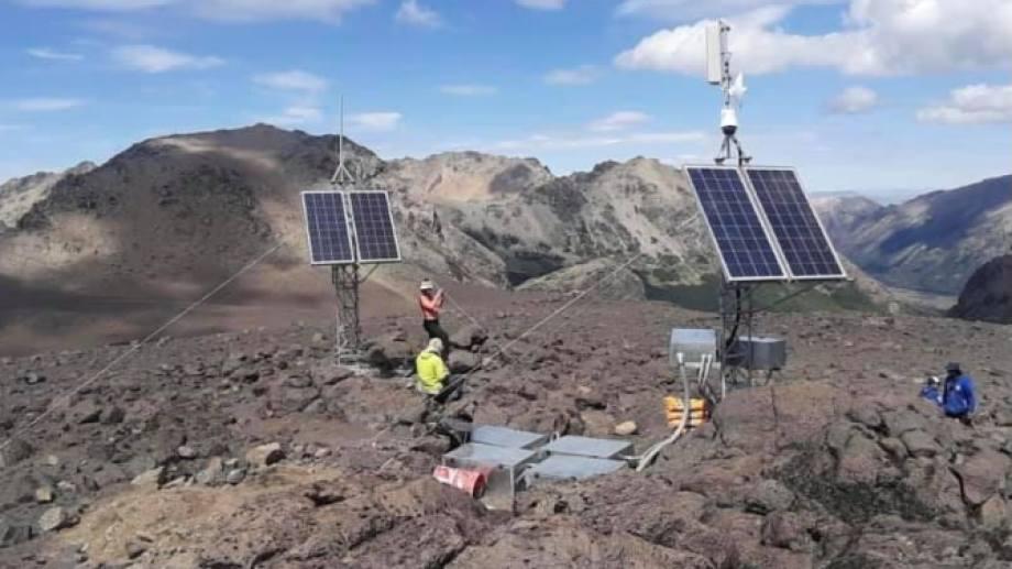 El volcán Lanín y el Copahue son los que se monitorean en tiempo real en Neuquén. Foto: Gentileza
