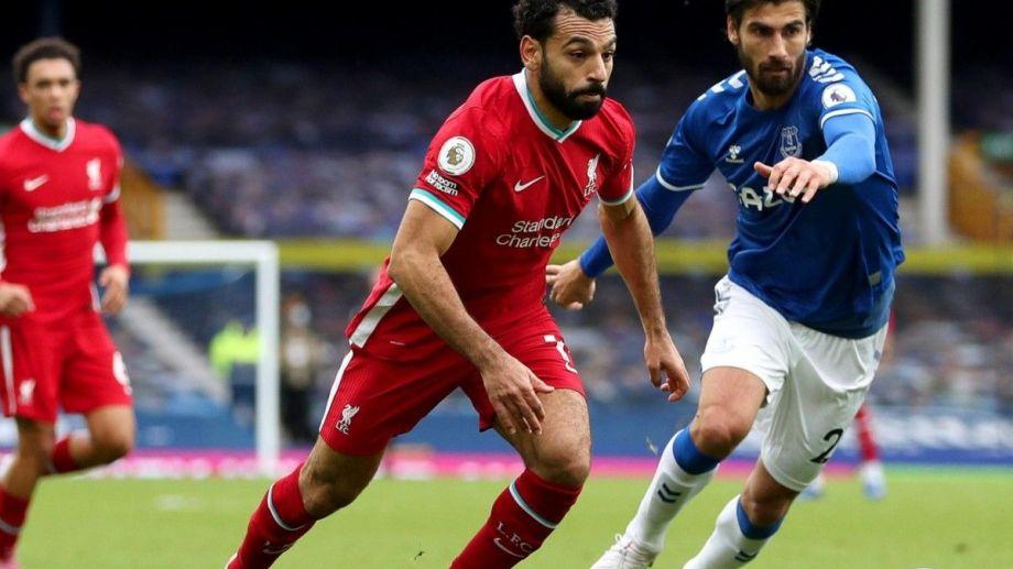 El clásico Liverpool - Everton se destaca en Inglaterra.