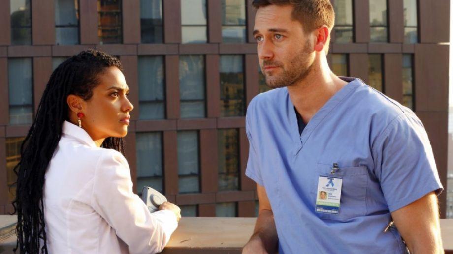 La atrapante serie de médicos trepó rápido en el ránking de Netflix.