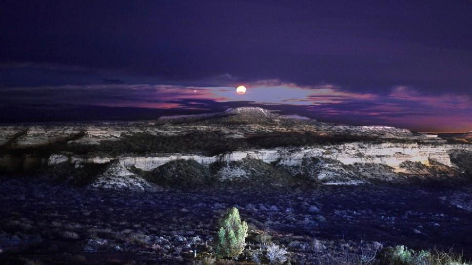 En las bardas de Regina se hará una caminata guiada para disfrutar de la luna llena. (Foto Néstor Salas)