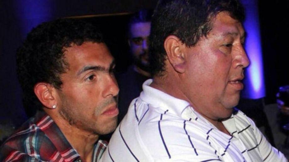 Carlos Tevez y su padre, una de las fotos juntos más divulgadas.