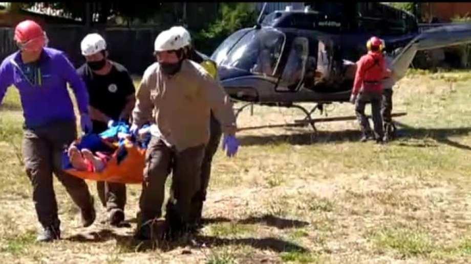 Los rescatados el sábado tenían heridas de distinta consideración y fueron trasladados en helicóptero a San Martín (Parque Nacional Lanín)