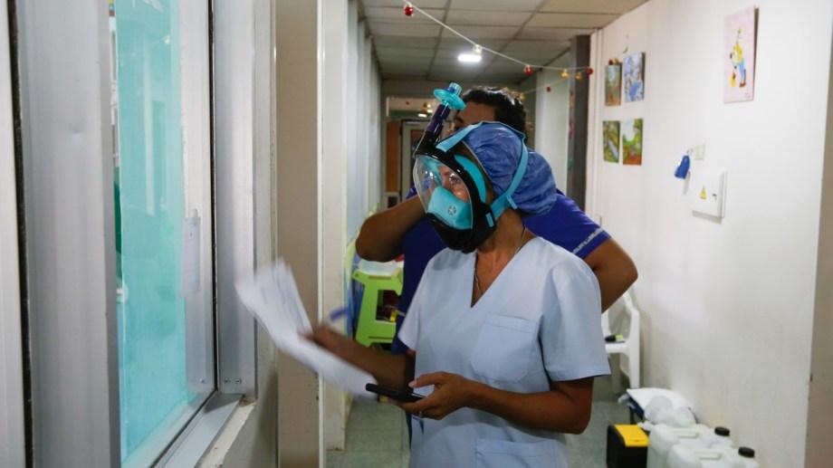 Los pacientes activos en la provincia son 1.104. (Foto: Juan Thomes)
