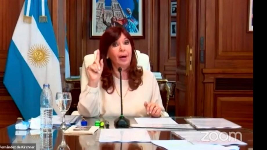 """Cristina Kirchner. La vice volvió a hablar del """"golpe institucional""""."""