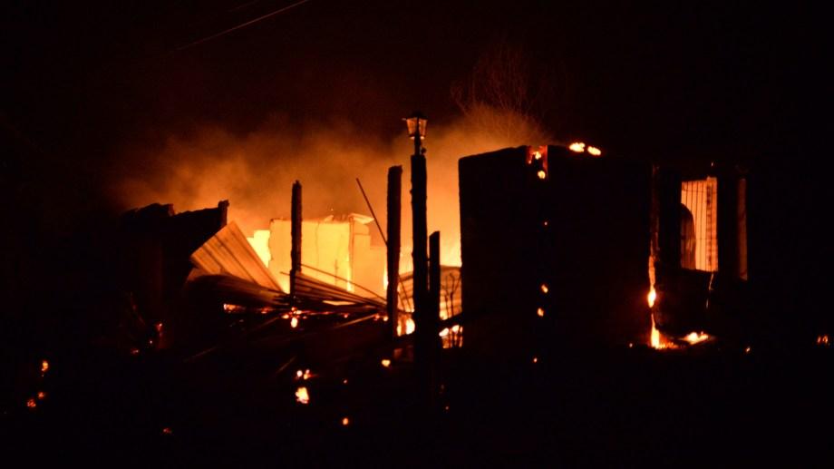 En apenas 6 horas, el fuego sitió las localidades de la Comarca Andina y causó una de las mayores tragedias en los años últimos. Foto: Archivo